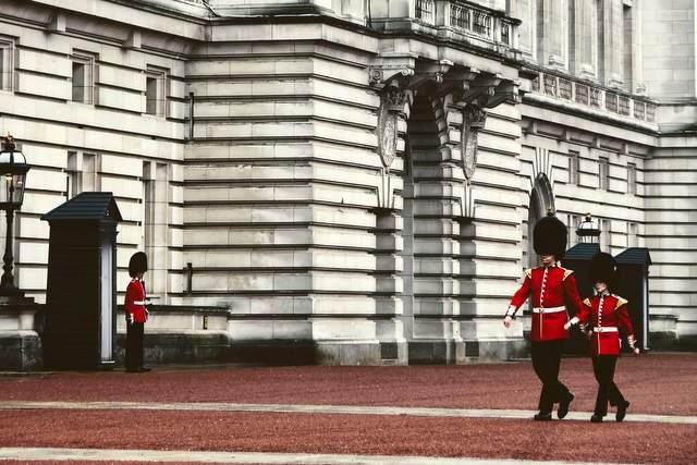 Cambio della Guardia a Buckingham Palace